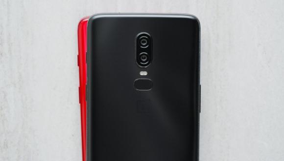Kırmızı OnePlus 6 geliyor! İşte cihazın tasarımı!