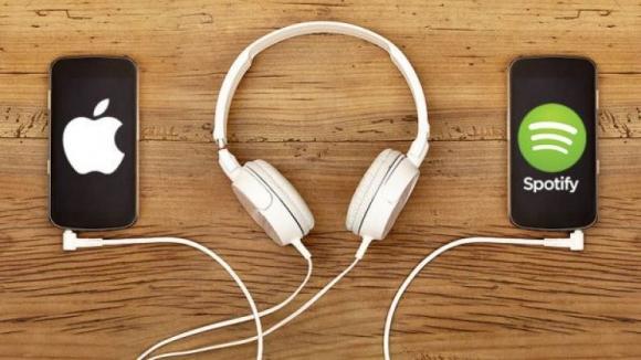 Apple Music, Spotify'ı geride bırakıyor!