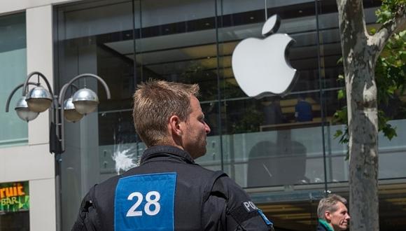 Apple Store yine soyuldu! Bu defa zarar büyük!