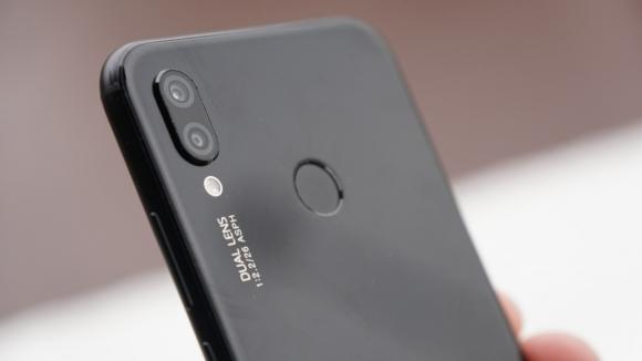 Çentikli Huawei Nova 3 bir ilk olacak!
