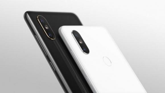 Xiaomi CEO'su Mi Max 3 kutusunu paylaştı!
