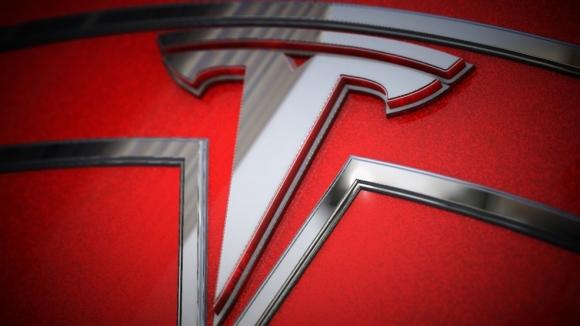Tesla'nın akıllı telefonu sızdırıldı!