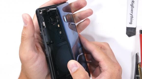 HTC U12 Plus dayanıklılık testi yayınlandı!