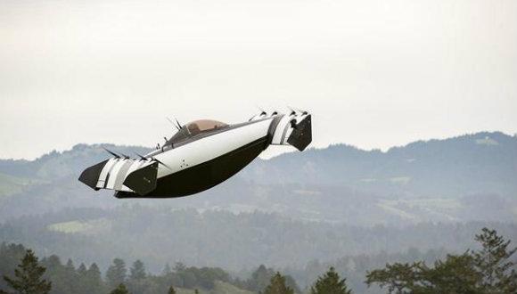 Uçan araba BlackFly tanıtıldı