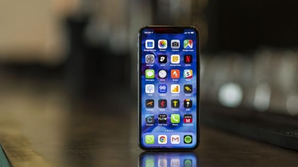 Apple OLED ekran teknolojisinden vazgeçebilir