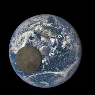 Ayın karanlık yüzü keşfedilecek!