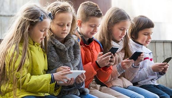 Fransa akıllı telefonları yasakladı!