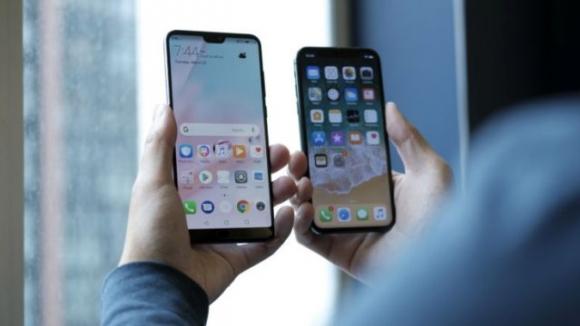 Huawei Apple'ı sonunda alt etti!
