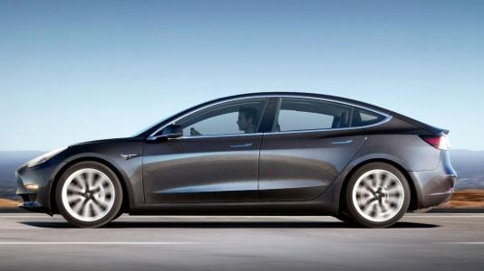 Elon Musk, Tesla Model Y için yeni ipucu verdi!