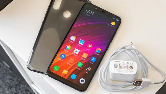 Xiaomi Mi 8'in en üst modeli satışa sunuldu!