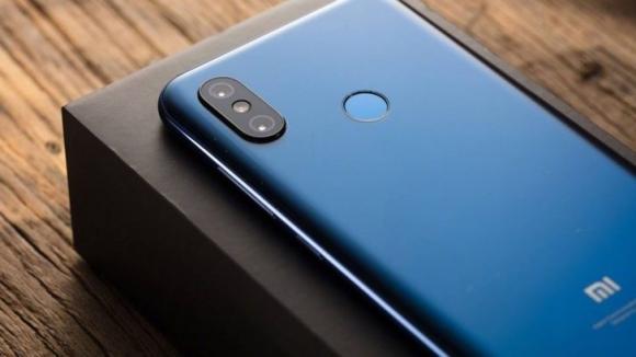 Xiaomi Mi 8 almak isteyenler için fırsat