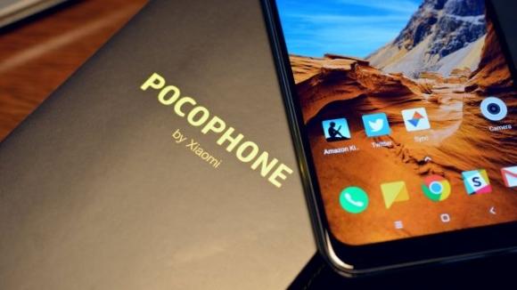 Xiaomi Pocophone F1 parçalarına ayrıldı!