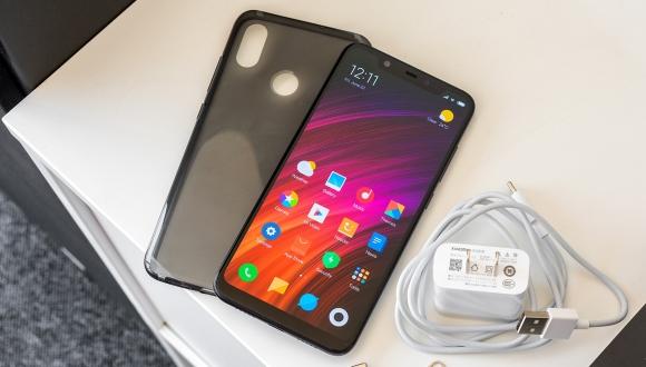 Xiaomi Mi 8 Youth ve Mi 8 SFE geliyor!