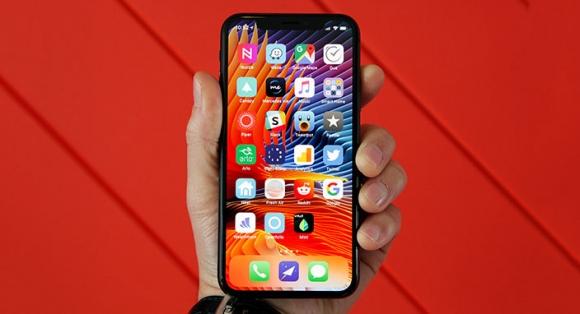 Yeni iPhone modellerinin isimleri belli oldu!
