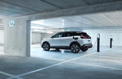 Peugeot'dan yeni plug-in hibrit motorlar