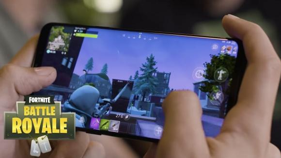 Samsung Fortnite aksesuar seti geliyor!