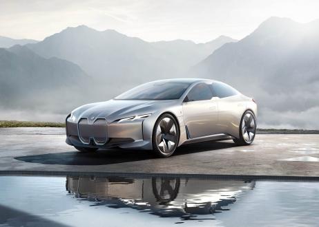 Yeni BMW i4, 2021 yılında bomba gibi geliyor!