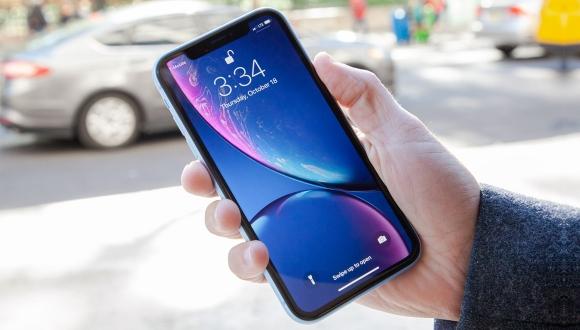 iPhone XR satış rakamı ile dudak uçuklatıyor!