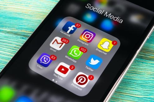 Türkiye Facebook ve Instagram ile yatıp kalkıyor!