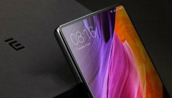 Çerçevesiz Xiaomi Mi Mix 3 canlı olarak görüntülendi!