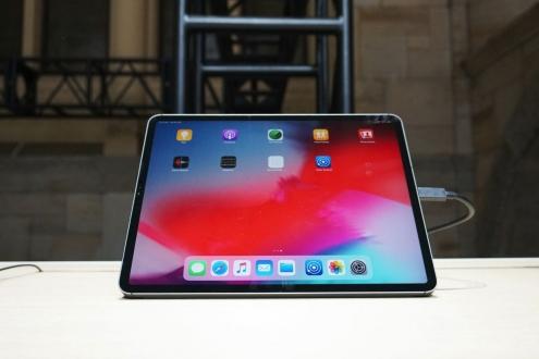 Yeni iPad Pro ekranını kıranlar yandı!