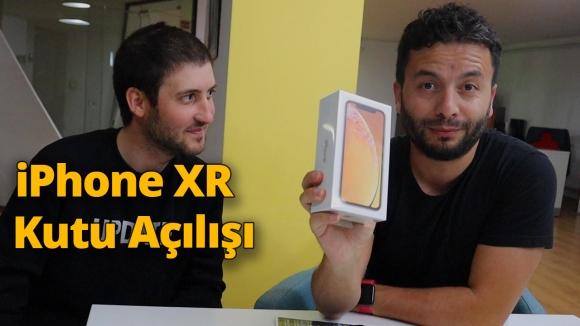 iPhone XR kutu açılışı