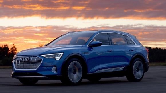 Audi ilk tam elektrikli otomobilini tanıttı!