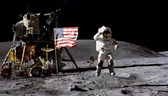Amerika gerçekten Ay'a gitti mi?