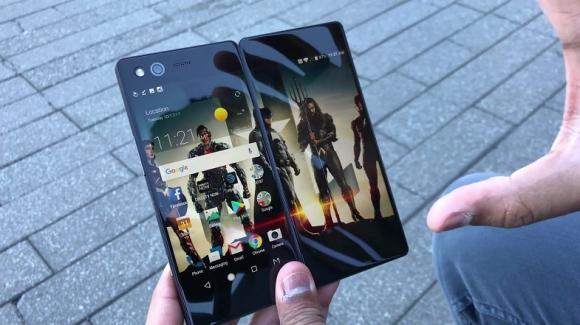 Huawei katlanabilir telefon için bomba iddia!