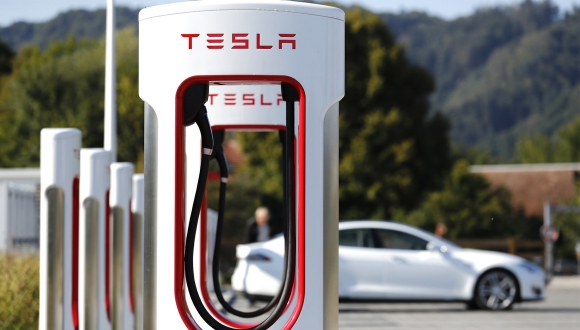 Tesla'dan 2019 yılı için müjdeli haber geldi!