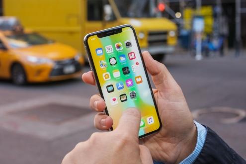 Apple'dan ücretsiz iPhone X ekran değişim programı!