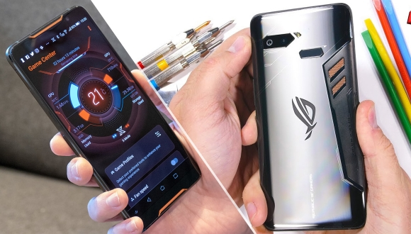 Asus ROG Phone dayanıklılık testinde!