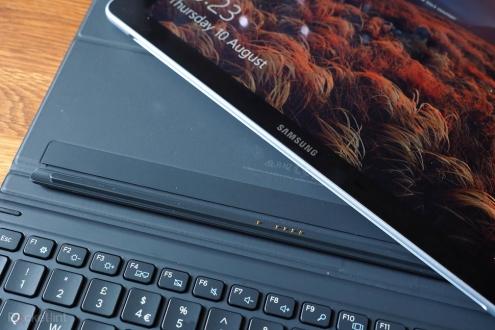 Samsung 4K OLED ekranlı bilgisayar tanıtacak!