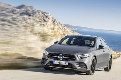 Mercedes A45 S performans devrimi yapacak!