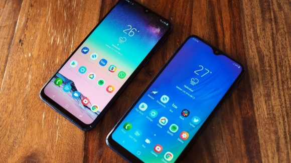 Galaxy M10 ve Galaxy M20 ilk güncellemelerini aldı!