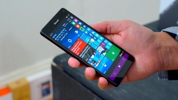 Telefonda Windows 10 ARM çalıştırdılar! - ShiftDelete Net