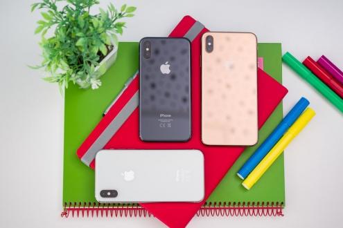 Apple katlanabilir telefon konusunda endişeli!
