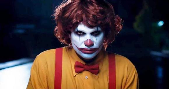 Burger King, McDonald's ile fena dalga geçti!