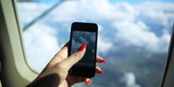 Uçakta telefon kullanmanın cezası belli oldu!