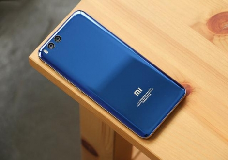 Xiaomi Mi 9 tasarımı için odaklandı!