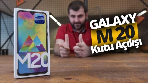 Samsung Galaxy M20 kutusundan çıkıyor! (Video)