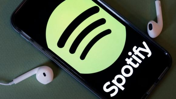 Spotify'dan podcast için önemli adım!
