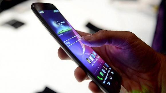 BTK: GSM operatörleri bilgi vermeden zam yapamaz!