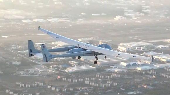 Milli İHA Anka-Aksungur, ilk uçuşunu yaptı!