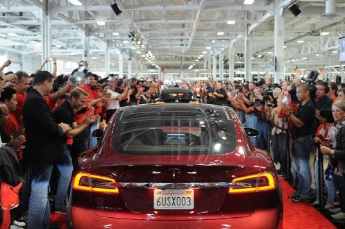 Tesla çalışanlarına baskı mı yapıyor?