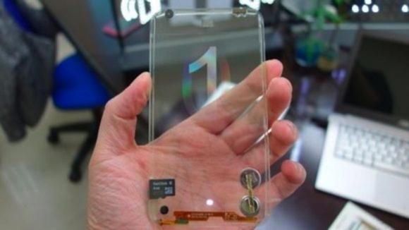 LG şeffaf bir katlanabilir telefon patenti aldı!