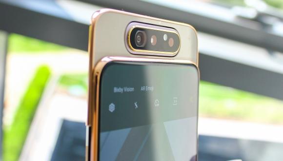 Snapdragon 730'lu Galaxy A80 performans testinde!