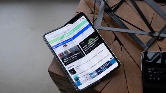 iFixit Galaxy Fold söküm işlemlerini yayından kaldırdı!
