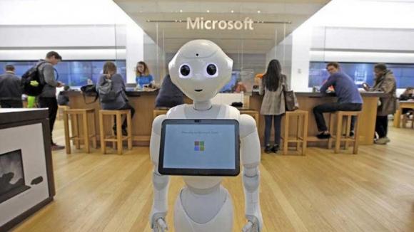 Microsoft artık trilyon dolar değerinde!