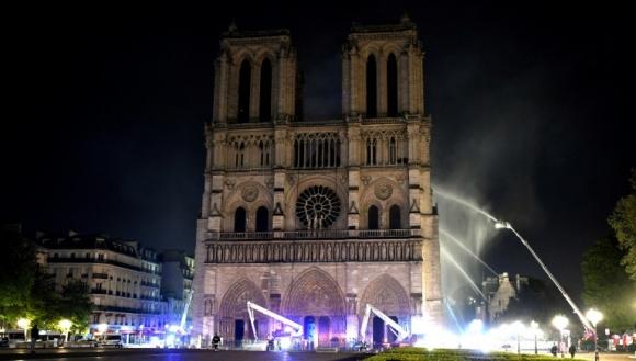 Notre Dame'ı kurtarmaya çalışan teknolojiler!